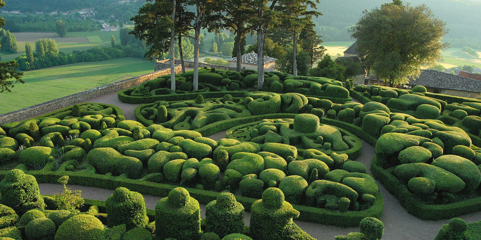 The overhanging gardens of Marqueyssac in Dordogne Sarlat ...